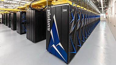 Cel mai rapid supercomputer din lume. Dispozitivul este capabil să realizeze aproximativ două sute de cvadralioane de calcule pe secundă
