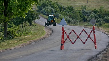 """Национальная программа """"Хорошие дороги для Молдовы"""". Главная улица села Бушэука, Резинского района, преобразилась"""