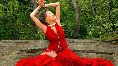 Cea mai bătrână instructoare de yoga din lume