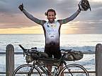Ciclistul britanic, Mark Beaumont, a fost aproape să doboare un record mondial