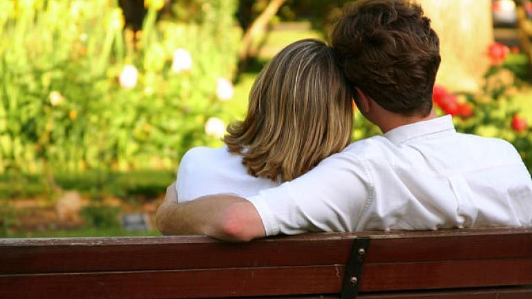 Veste bună pentru îndrăgostiţi şi toţi cei care iubesc plimbările în aer liber. A început renovarea podului din Parcul Valea Trandafirilor