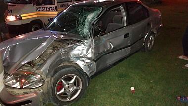 Accident nocturn cu doi răniţi în Capitală. O maşină a fost tamponată de o autocisternă