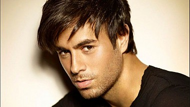 Starul pop, Enrique Iglesias, se bucură din plin de paternitate