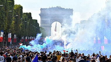 Incidente violente la Paris, după victoria la Campioantul Mondial
