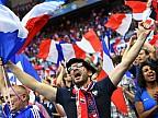 Sute de mii de francezi au sărbătorit pe străzi victoria jucătorilor favoriţi la Cupa Mondială